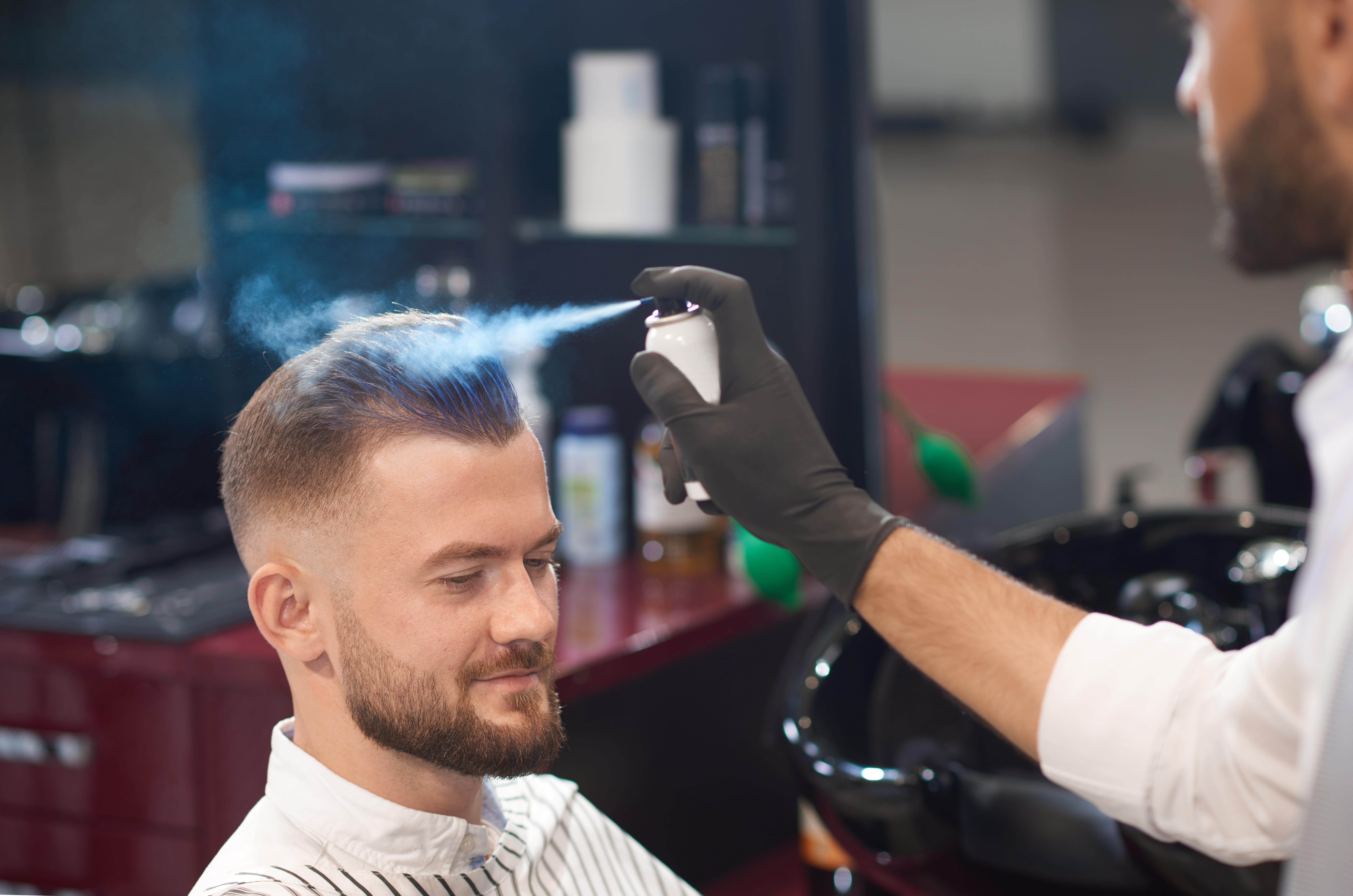 los fijadores causan alopecia